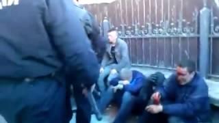 Новое  В Харькове были избиты активисты Правого Сектора(, 2015-05-19T11:24:07.000Z)