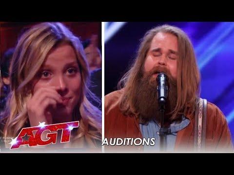 Chris Klafford: Swedish Idol Winner Has The American Crowd In TEARS! | America's Got Talent 2019