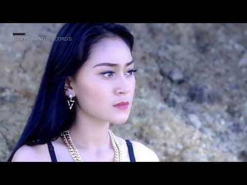 VITA ALVIA - KEPALING - [Official Video]