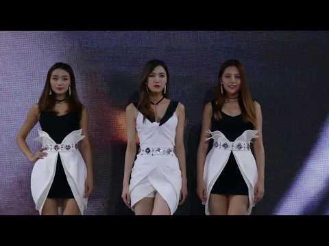 Real China, 2017 Wuhan Auto Show ,4K video - 现实中国,2017武汉车展歌舞秀,4k