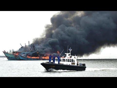 China Protests After US Warship Sails Near South China Sea