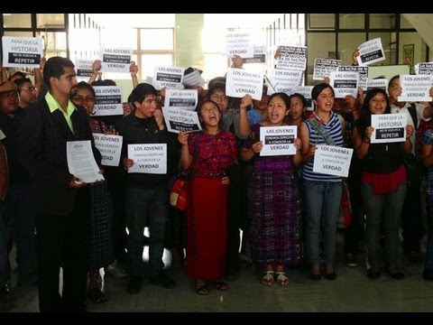 Guatemala video snapshot: Youth protest in Supreme Court during genocide trial