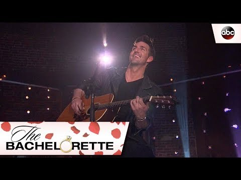 Amy Lynn - Jake Owen Performs A Love Song On The Bachelorette !