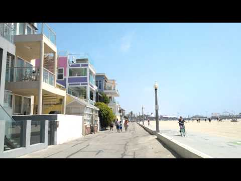 Beach houses, Santa Monica - The LA / Mars Adventure (09)