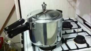 pressure cooker whistle sound