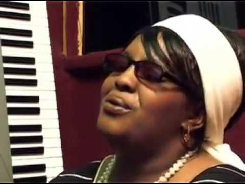 Ruth Wamuyu - Ngoro Yakwa (Official Video)