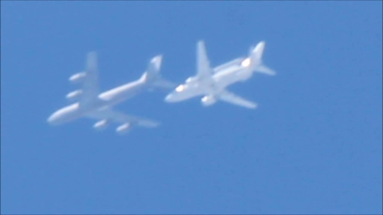 Tankowanie Boeinga E-7A w okolicach Częstochowy widziane z ziemi