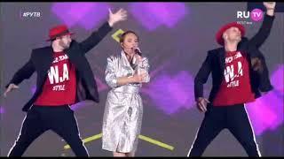 Альбина Джанабаева - На счастье Выпускной RU.TV