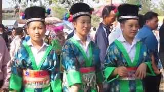 New Year Hmong Lao 'Boon Kin Chiang 2012 Luang Prabang-6
