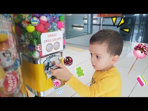 Ediz ekşi şeker ve sakız almak istedi makine bozuk çıktı. Fun kids video