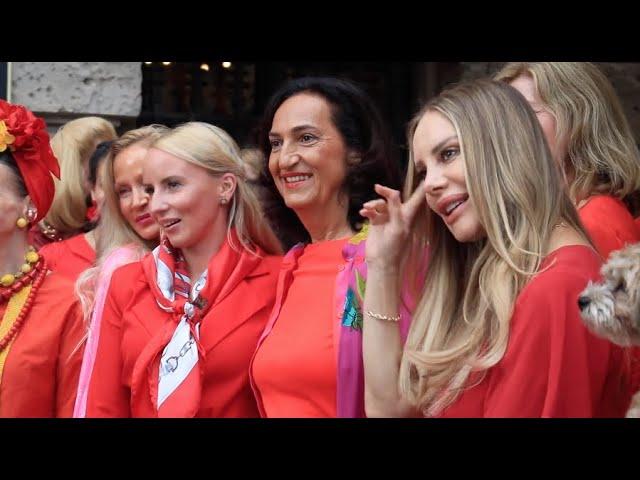99 Ladies in Red beim 1. Red Club Event in der Gendarmerie Berlin Mitte 2020