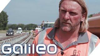 Bier während der Arbeit? Welche Klischees über Straßenbauarbeiter stimmen? | Galileo | ProSieben
