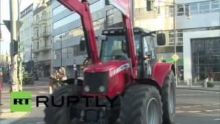 Germany: Tractor convoy brings farming debate to the centre of Berlin