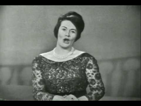 Joan Sutherland sings Leoncavallo's Mattinata