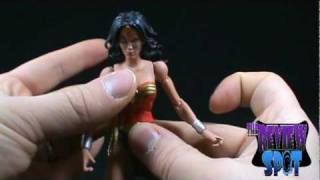 Toy Spot - DC Universe Classics Wave 4 Wonder woman figure