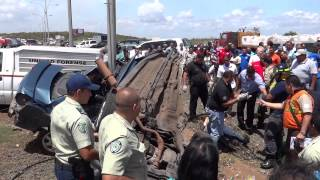 Dantesco accidente en la avenida Angosturita, el vehículo se partió en dos (18-03-13)
