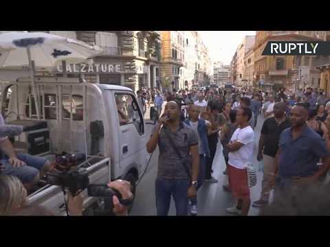 Manifestation à Rome en soutien à des migrants expulsés de leur logement (Direct du 26.08)