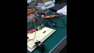 {不專業工作室}[Arduino]超音波和伺服馬達