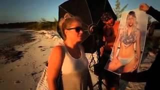 كيت أبتون عارية تماما فى عرض على الشاطئ لملابس البحر 2013