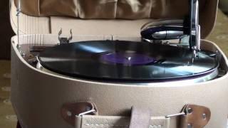 Ο Τσιτσάνης στο ΜΟΝΤΕ - ΚΑΡΛΟ. Rebetiko gramophone record.