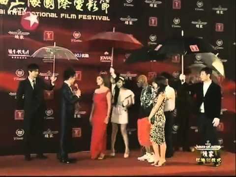 Susan Sarandon and Celebrity Ping Ponger / Rapper Wally Green @ Shanghai film festival.