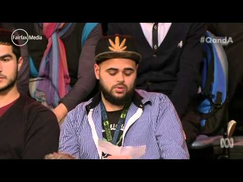 Q&A audience member shocks with call to IS     01:51