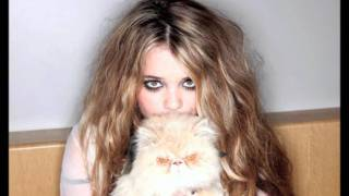 Watch Sky Ferreira 17 video