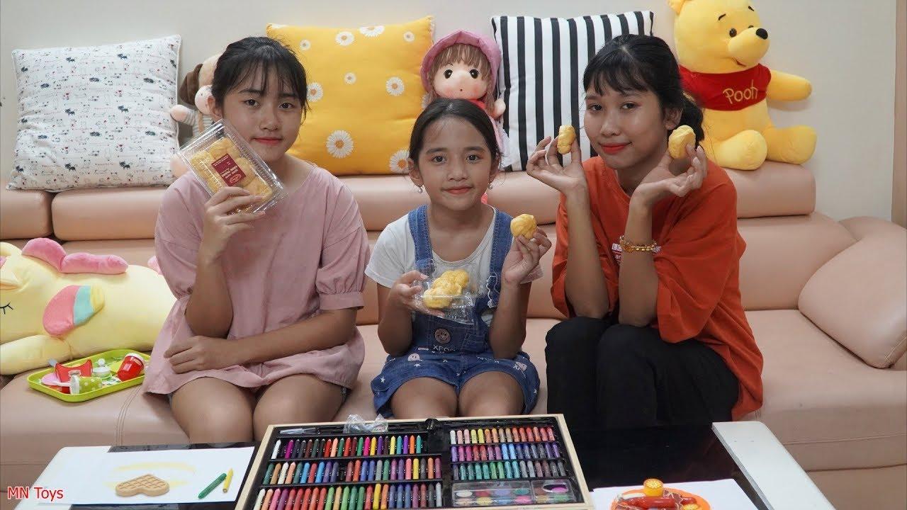 Hai Chị Em Vẽ Tranh Với Hộp Màu Khổng Lồ - Ăn Bánh Su Kem Ngon Tuyệt - MN Toys