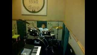 vino 1 tahun8bulan drummer cilik OXA Music Course kursus musik surabaya