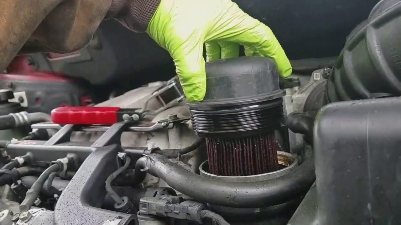 2007 Kia Sedona oil change [EASY] - YouTube