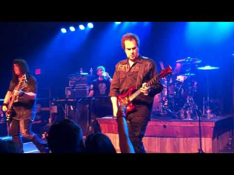 Firehouse - Love of a Lifetime - Live in Texas