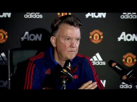 Louis Van Gaal Asks For The Same Time As Sir Alex Ferguson At Manchester United