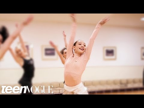 Ziegler learns a holiday routine with The Rockettes in 1 hour for Teen Vogue (2015)