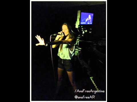 Ana Free desde Singapur - En vivo : Radio '938 Live' (02/05/2012)