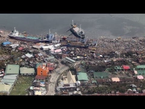Aid in short supply in Typhoon hit Philippines (BREAKING NEWS) BBC