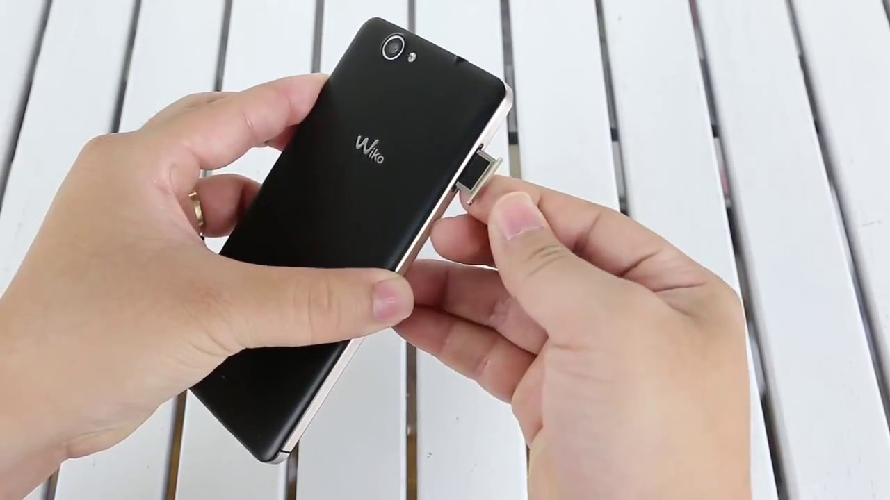 How to Insert SIM Card and Micro Sd Card Wiko Getaway