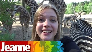 Jeanne neemt een kijkje bij de giraffen!
