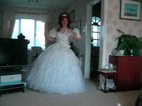 cosplaying-disney-giselle-enchanted