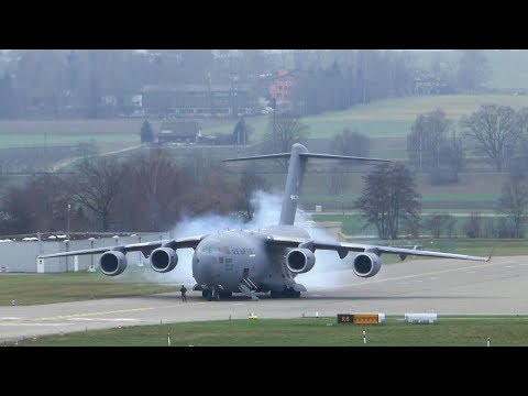 U.S. Air Force Boeing C-17 departure at Zurich Airport - insane STOL takeoff!!!