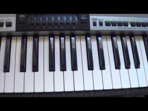 finger training on keyboard
