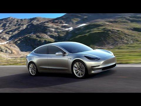 Tesla, Yeni Elektrikli Otomobili Model 3'ü Tanıttı
