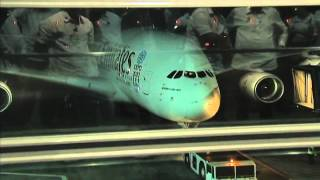 Arrival of Emirates A380 10/7/2014