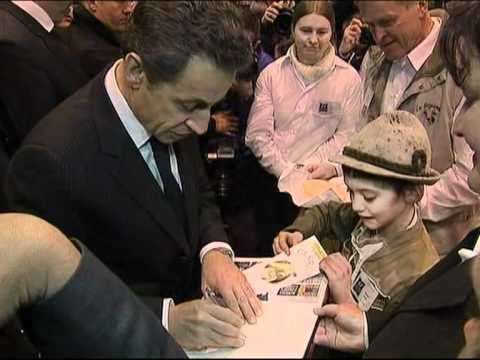 France vote sees left and right pile pressure on Sarkozy