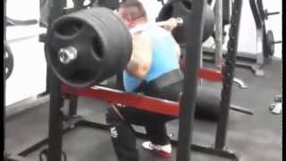 Виталий Михеев, приседания в бинтах - 315 кг на 3 раза с паузой !