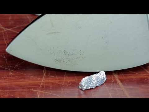 How To Use Aluminium Foil Wrap To Clean Your Iron