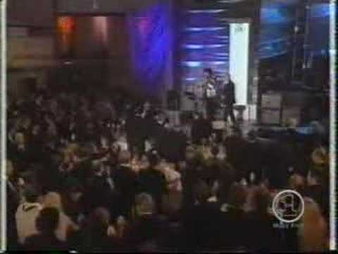 QUEEN r&r hall of fame induction