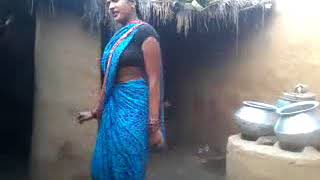Hot Village bhabi jabardast Dance in Bhojpuri Songs...