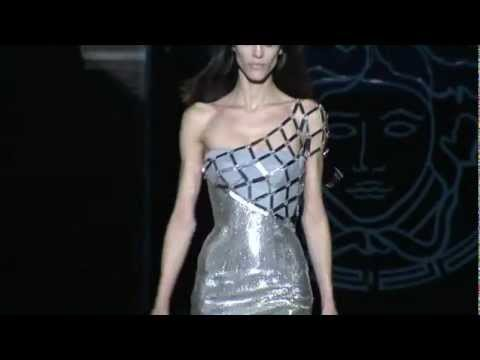 Versace ➤ Fall/Winter 2012/2013 Women Fashion Show