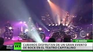 Miles de cubanos disfrutan de gran evento de rock en un teatro de La Habana
