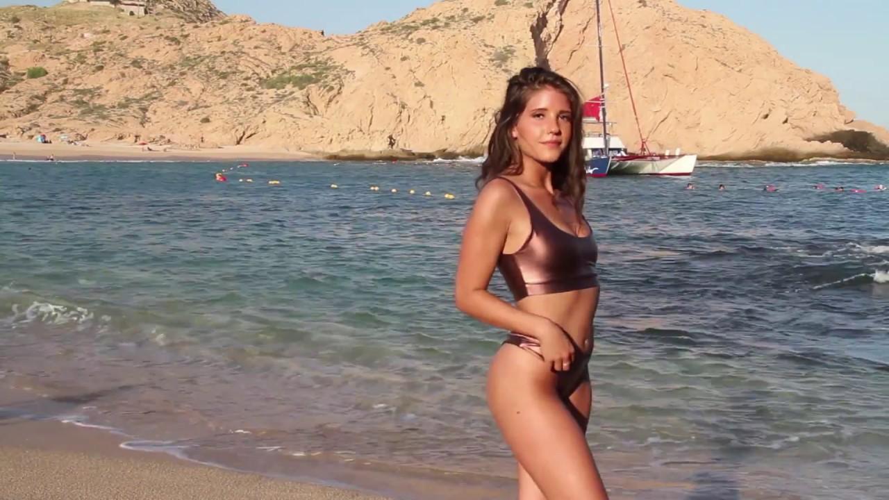 Lindsay lohan smoking nude